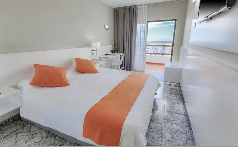769 x 474 030_Hotel_Caserio dbl kamer
