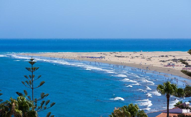769 x 474 beach-hotel-caserio-luis