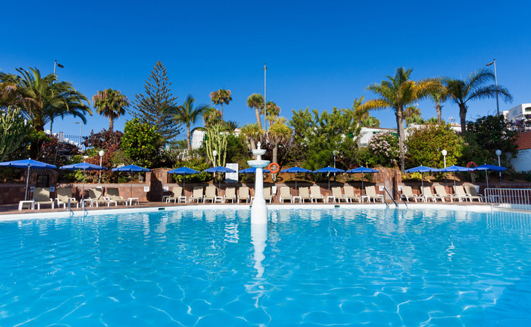 769 x 474 pools-hotel-caserio-luis
