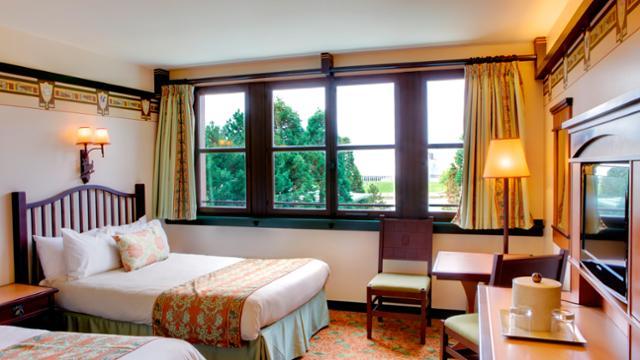 n013254_2019juin_sequoia-lodge-standard-double-room_16-9_tcm816-157873-640x360