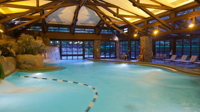 n015677_2020oct01_sequoia-lodge-hotel-swimming-pool_16-9_tcm816-157938-640x360